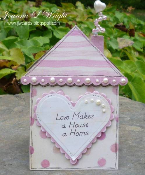 house_shaped_card_-_pinkalicious_-_mag