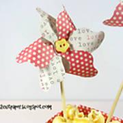DSC01806_-_popcorn_box_-_pinwheel_-_pazzles_-_ilove2cutpaper.jpg