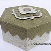 DSC02374_-_hegagonal_-_decorative_box_-_pazzles_-_ilove2cutpaper.jpg