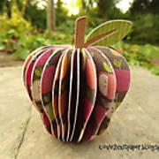 DSC02587_-_3d_apple_-_pazzles_-_ilove2cutpaper.jpg