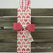 DSC07431_-_love_me_-_valentine_-_treat_holder_-_pazzles_-_ilove2cutpaper.jpg