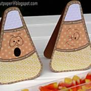 DSC08152---candy-corn---trick-or-treat---ilove2cutpaper.jpg