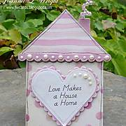house_shaped_card_-_pinkalicious_-_mag.jpg