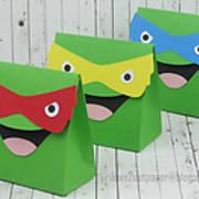 DSC08026_-_ninja_turtles_-_gift_bag_-_ilove2cutpaper.jpg