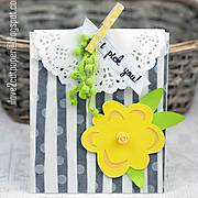 MG_7820---i-pick-you---decorated-bag---ilove2cutpaper.jpg
