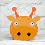 MG_8128---giraffe-gift-bag---ilove2cutpaper.jpg
