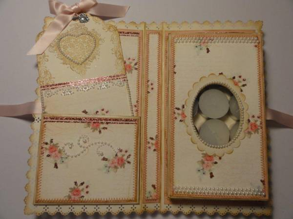 interior_of_bookbound_gift_box_1_with_tag
