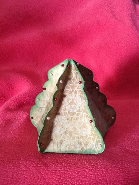 Scallop Christmas Tree Box