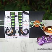 DSC06746_-_trick_or_treat_-_halloween_-_pillow_box_-_pazzles_-_ilove2cutpaper2.jpg