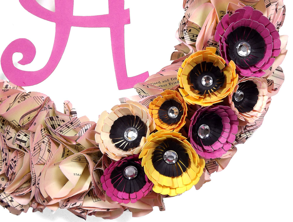 Baby-Shower-Wreath-Decoration-Closeup