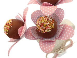 Cake-Pop-Flower-Collars-Detail-JWright