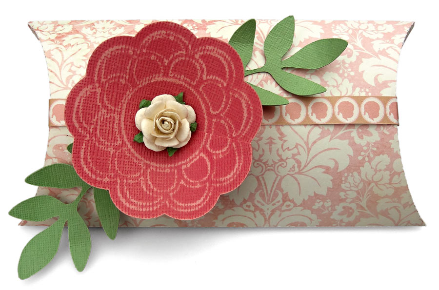 Pillow-Box-with-Distressing-Tool-Flower-JWright