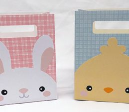 Pazzles DIY Classic Easy Easter Bags with instant SVG download. Compatible with all major electronic cutters including Pazzles Inspiration, Cricut, and Silhouette Cameo. Design by Alma Cervantes.