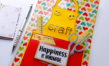 Pazzles DIY Happiness is Handmade Apron Card with instant SVG download. Compatible with all major electronic cutters including Pazzles Inspiration, Cricut, and Silhouette Cameo. Design by Zahraa Darweesh.