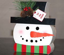 Pazzles Light Up DIY Snowman Decoration with instant SVG download. Compatible with all major electronic cutters including Pazzles Inspiration, Cricut, and Silhouette Cameo. Design by Judy Hanson.