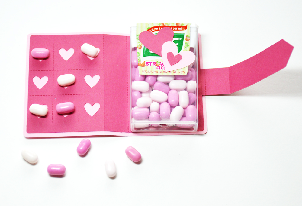 tic-tac-game-valentine open candy